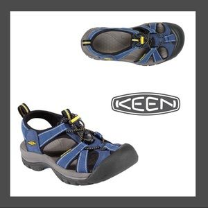 Keen Petrol and Twilight Venice H2 Sandals Size 7